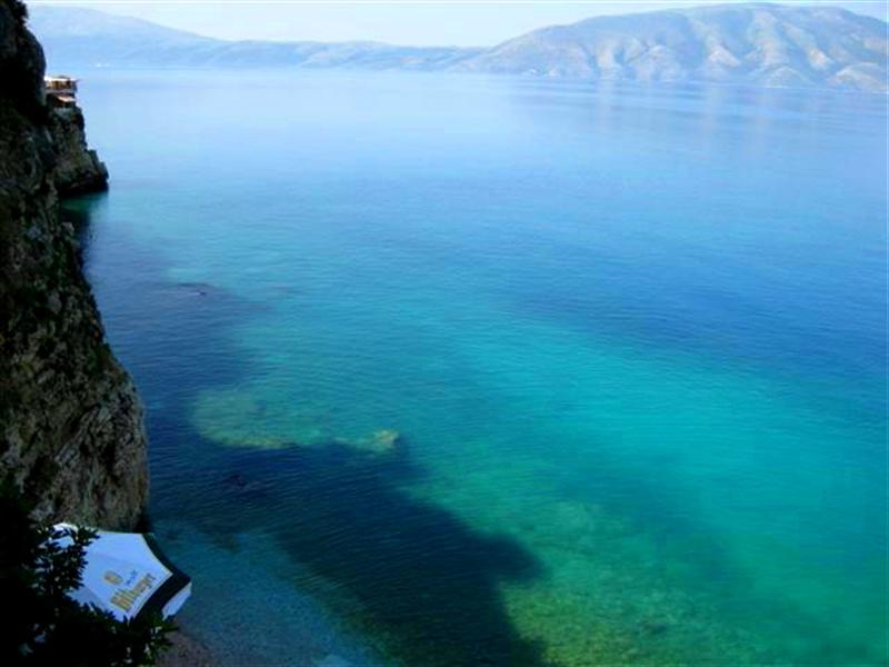 Arrival in Vlore - the emerald sea