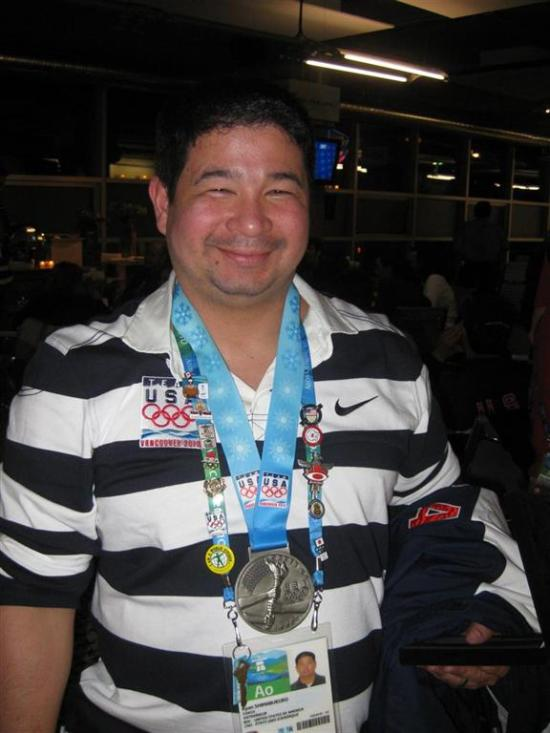Ryan Shimabakuro with his Ikos award